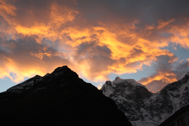 sunrise at Tengboche